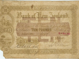 1913 Issue 3 10 pound forged note owned by Ian Birdling